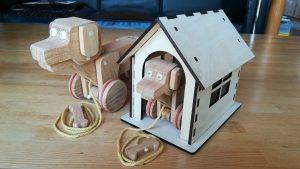 子犬と犬小屋