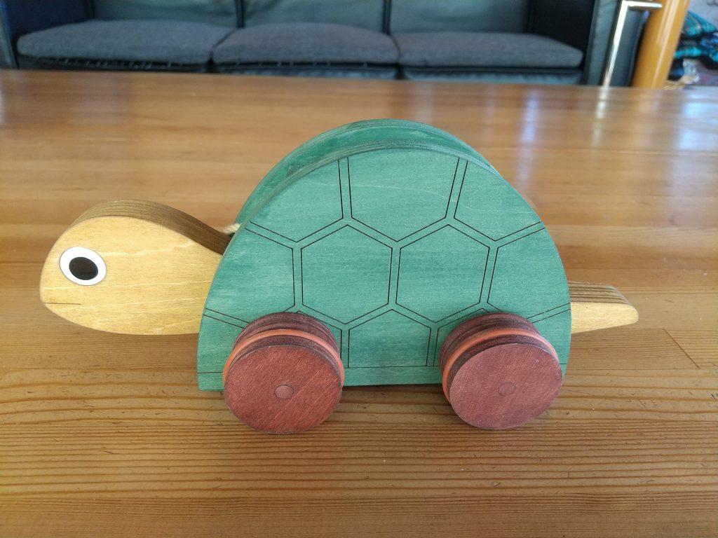 合板製の亀